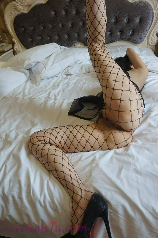 酒店大战渔网袜的丰满情人