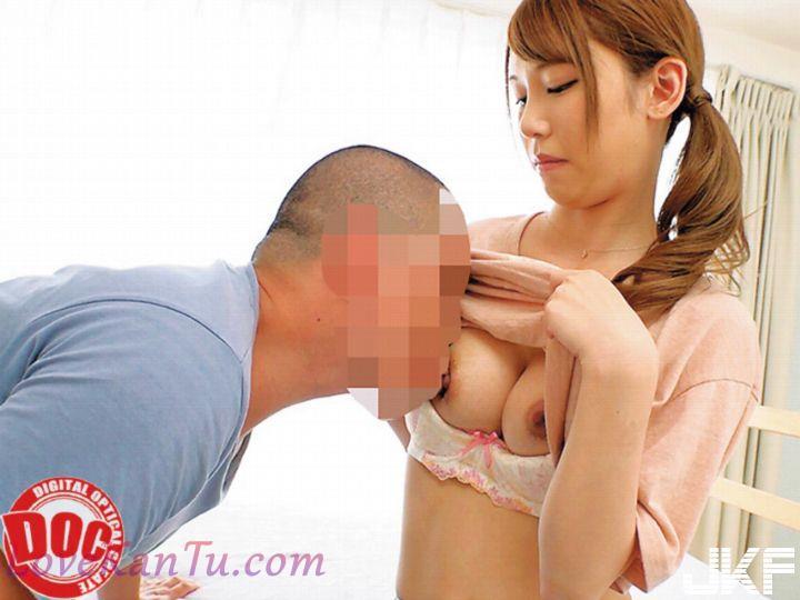 育児に忙しいベビーカー巨乳ママが授乳手コキからの常におっぱい吸わせる生ハメ授乳...(17P)