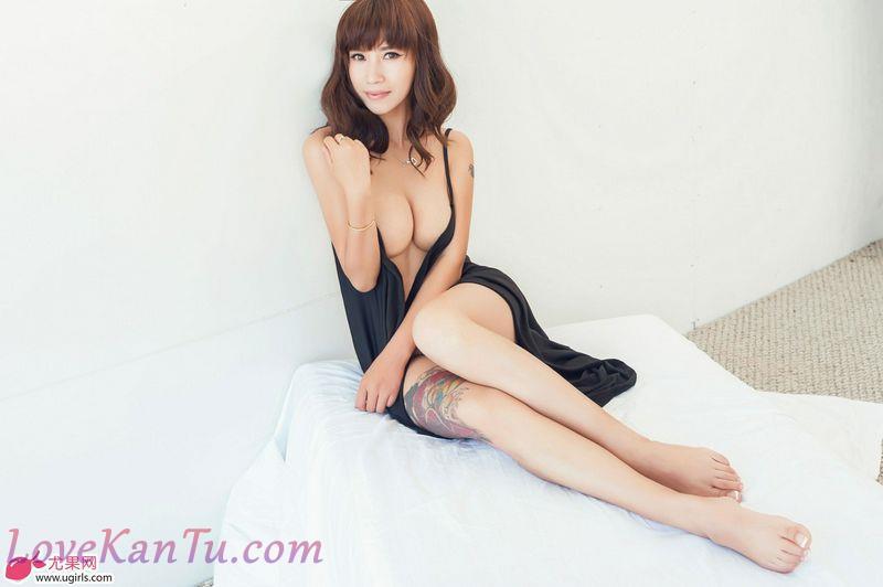 田依依-成熟狂野御姐型模特Ugirls高清写真图尤果网套图写真图集